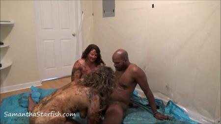 Shit Smeared Threesome - Samantha Starfish and Scat Goddes, Black Dirty Dick  [Scatology / 1.66 GB] FullHD 1080p (Scat Sex, Eating, Kaviar Scat)