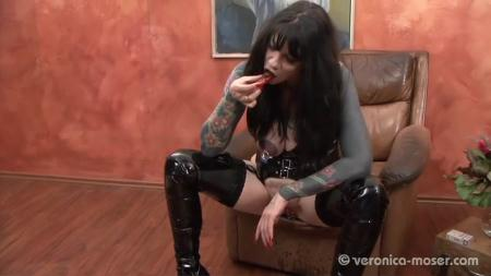 Veronica Moser - The Bitch 3 [Scat Humiliation / 80.7 MB] SD (Femdom Scat, Shitting)