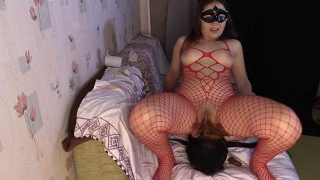 Princess Mia - Princess Mia Scat Piss Facesitting suffocationchoke booty [Femdom Scat / 1.28 GB] FullHD 1080p (Domination Scat)