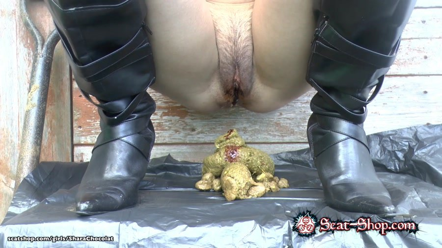 SharaChocolat - 3 Period Poos Wearing Knee High Boots [Solo Scat / 267 MB] FullHD 1080p (Big pile, New scat)