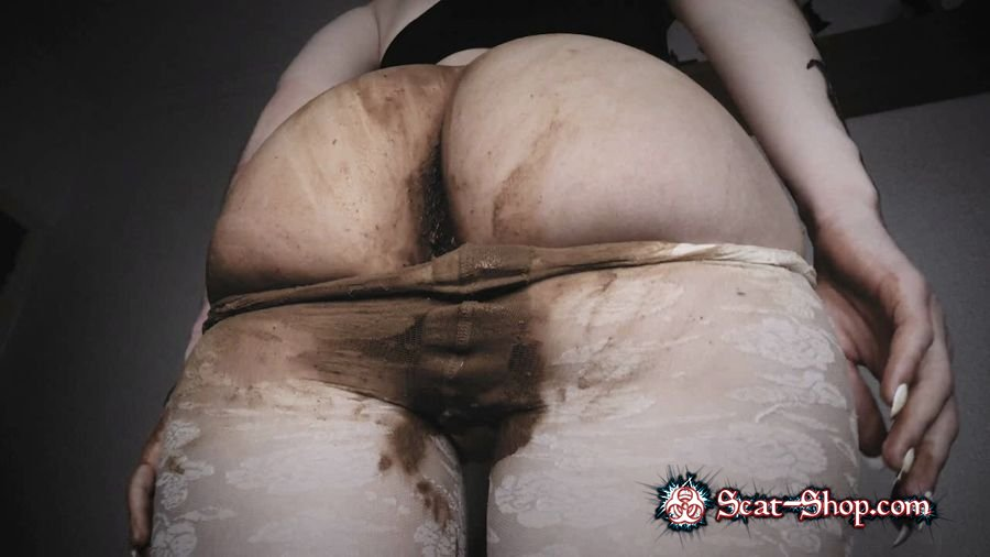 DirtyBetty - INSANE scat girl SHITTING in PANTYHOSE [Panty Scat / 572 MB] HD 720p (Panties, Scatting)