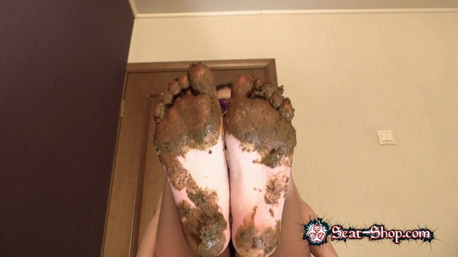 Princess Mia - Mia Pov Foot smearing Scat with Princess Mia and toilet slave [Foot Scat / 894 MB] FullHD 1080p (Feet, Femdom)