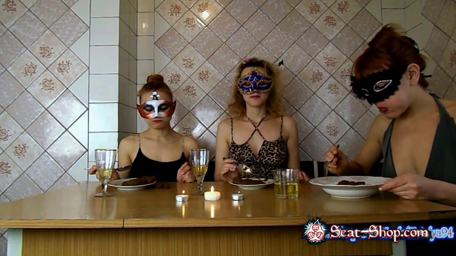 ModelNatalya94 - Three girls eating their own shit [Scat Threesome / 836 MB] FullHD 1080p (Amateur, Milf)
