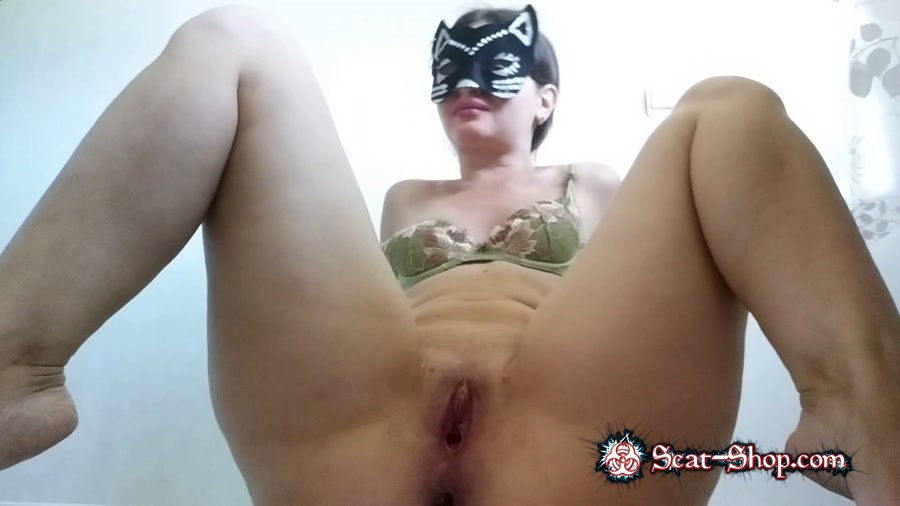 NastyGirl - Hot striptease and pooping [New scat / 1.44 GB] FullHD 1080p (Young Girls, Solo, Cat)