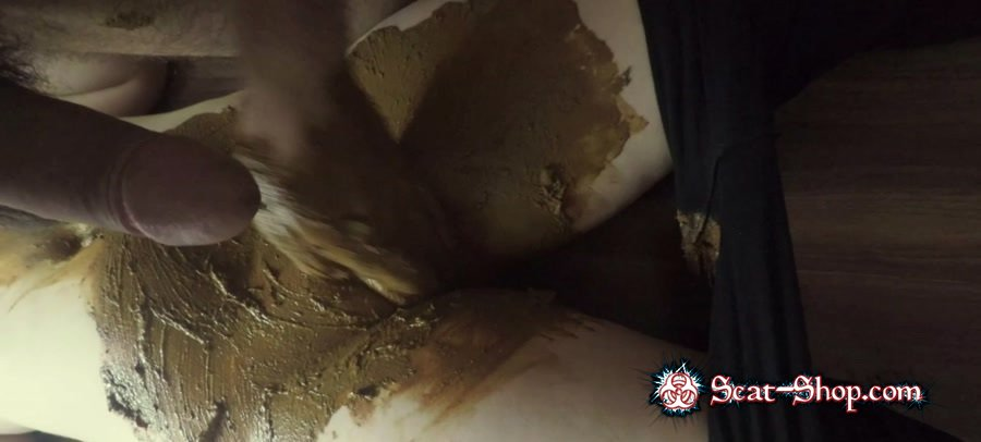 KatiePoo - Black leggings and smearing on pussy part 2 [Sex Shit / 731 MB] FullHD 1080p (Anal, Amateur)