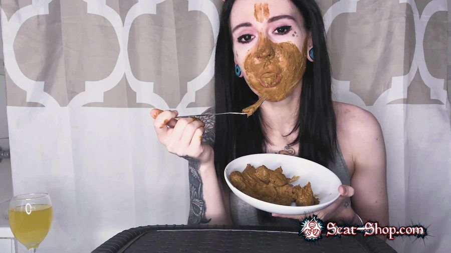DirtyBetty - Real Scat Breakfast [Solo Scat / 525 MB] FullHD 1080p (Eating, Teen)