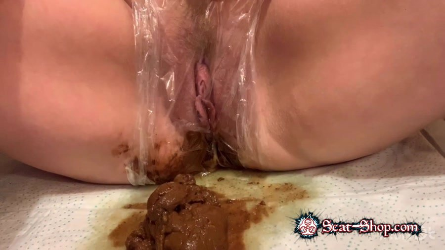 XshayXshayX - Plastic Wrap [Defecation / 762 MB] FullHD 1080p (Scatology, Solo)