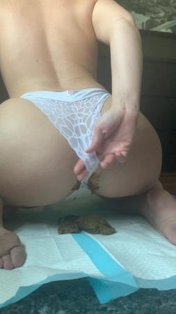 Natalielynne699 - This panty poop turned real messy [Shitty Panties / 455 MB] UltraHD 2K (Scatology, Solo)